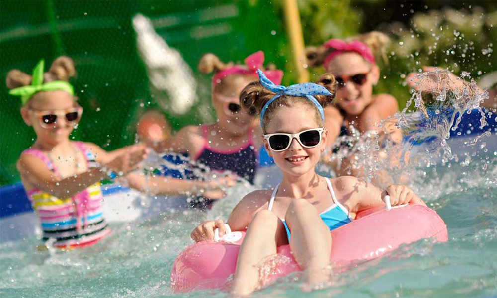 The Parents' Guide to a Splashing Good Pool Party 10