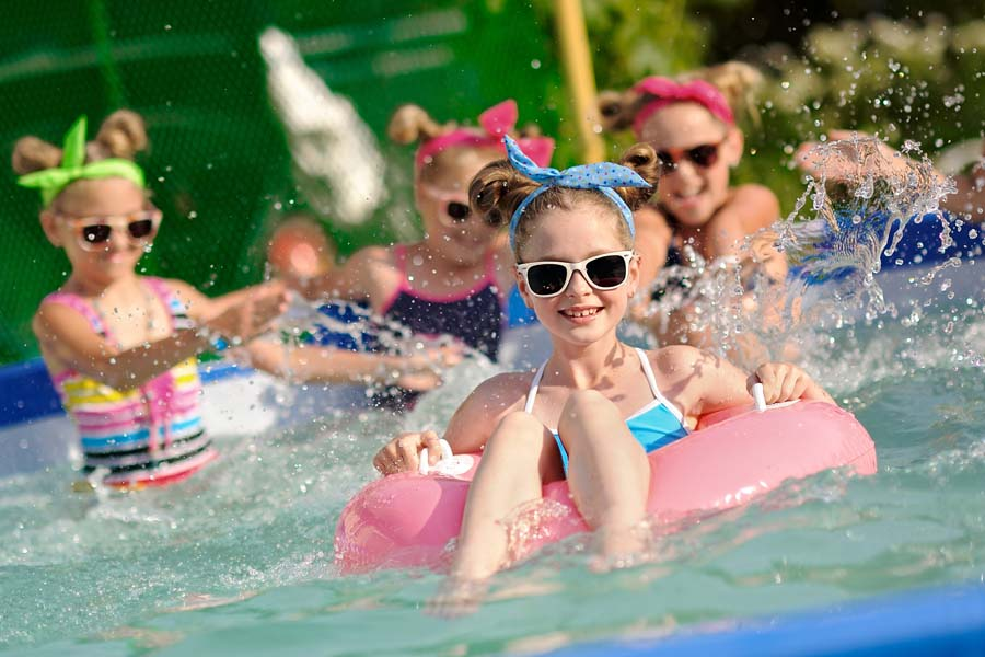 The Parents' Guide to a Splashing Good Pool Party 2